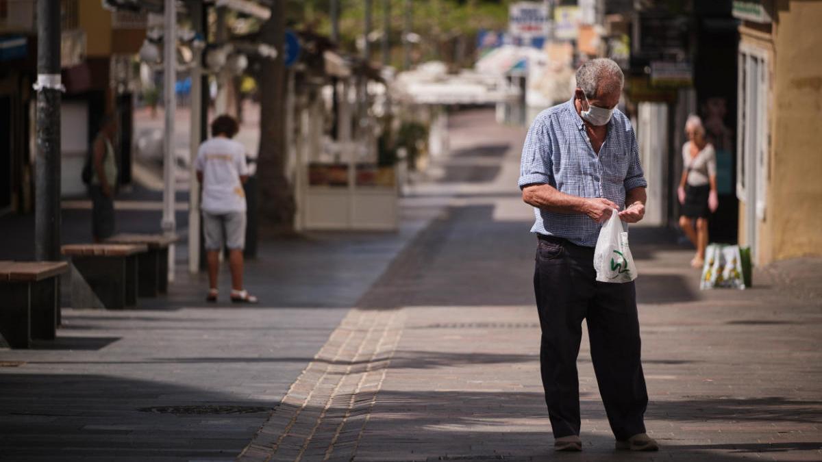Canarias garantiza material sanitario para una semana