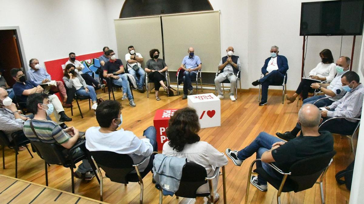 Reunión de los cargos municipales de las comarcas de Pontevedra