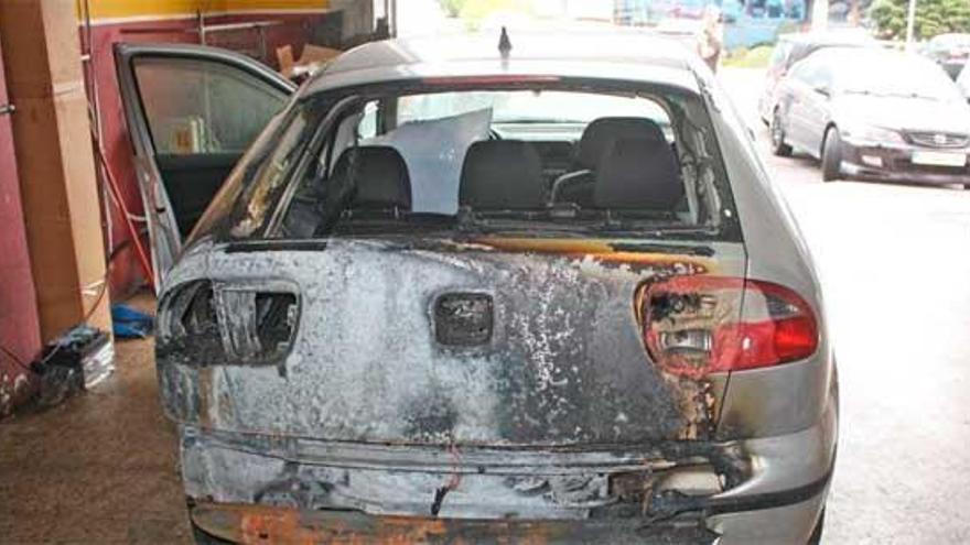 Detenido un vecino de Arteixo por quemar tres coches y un camión