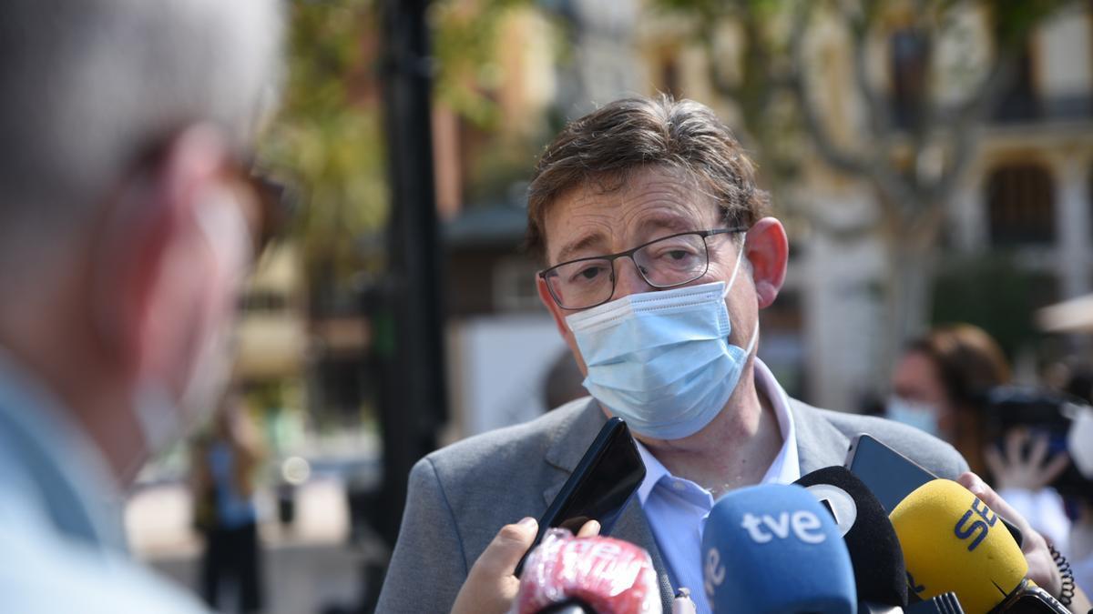 El president de la Generalitat Valenciana, Ximo Puig, atiende a los medios en una imagen de archivo