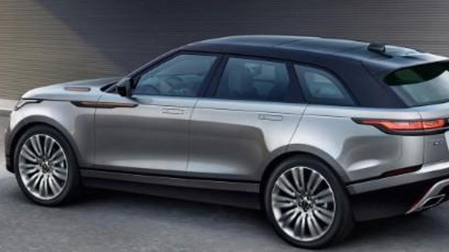 Land Rover afianza su posición para hacerse con el premio del Coche del Año de los Lectores