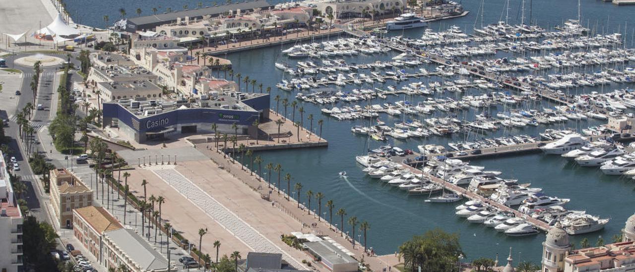 Zona de ocio del Puerto de Alicante.