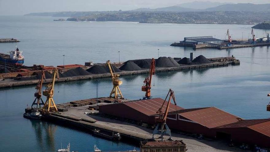 Los silos de Cemex en El Musel tendrán la altura de 14 pisos