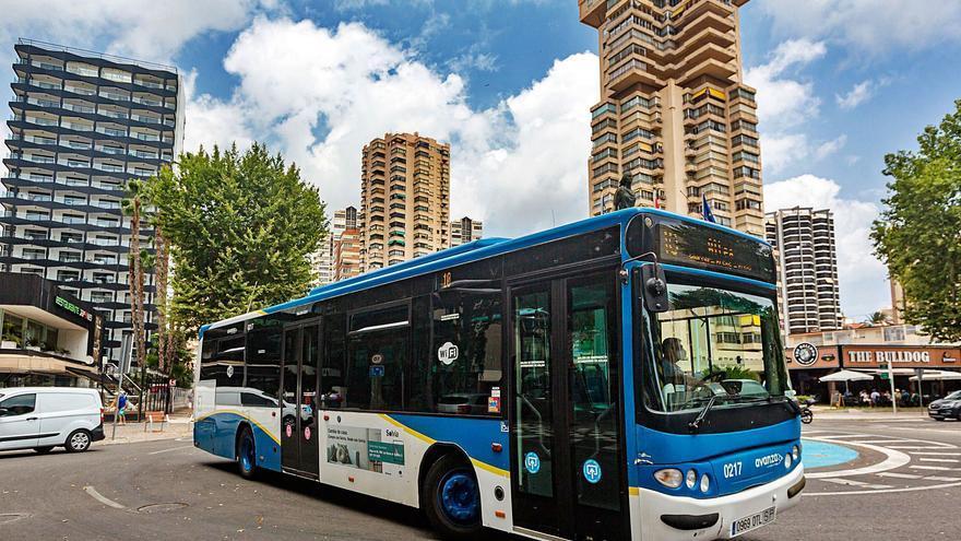 Benidorm pondrá autobuses «lanzadera» gratuitos desde los parkings disuasorios