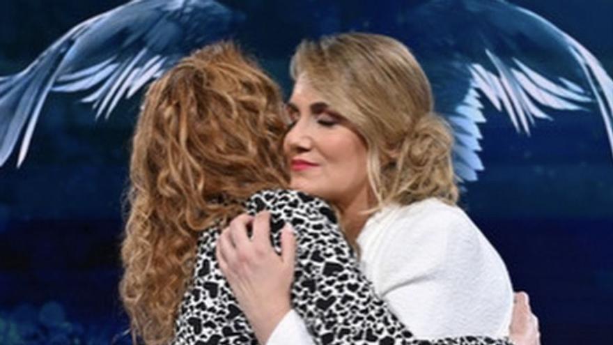 """Carlota Corredera envía un mensaje a Rocío Carrasco tras la victoria de Olga Moreno: """"No estás sola"""""""