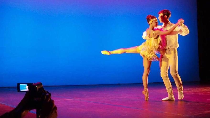 Borja Villa recupera su Gala de la Danza en la Pola el próximo 23 de octubre