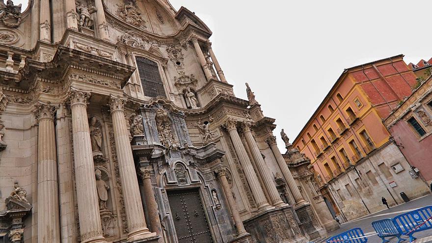El Obispado y la Administración se enredan con la restauración de la Catedral de Murcia