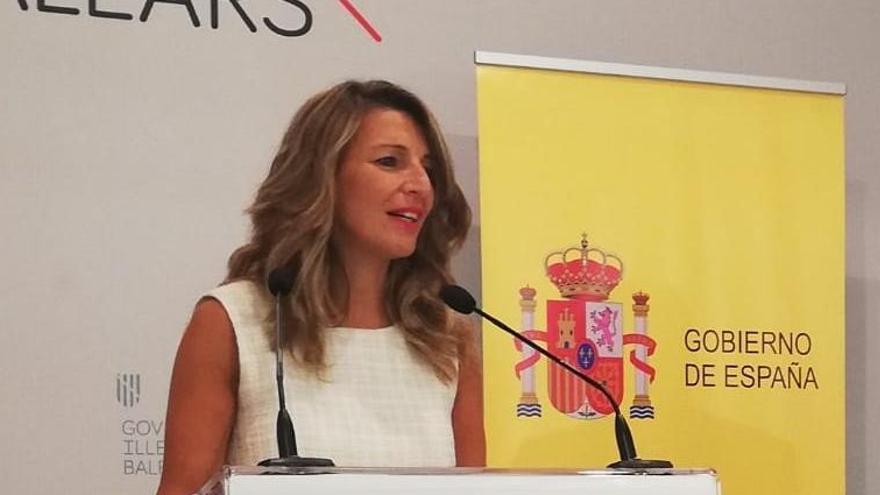 Díaz asegura que se mantendrá la cuantía de las prestaciones por ERTE