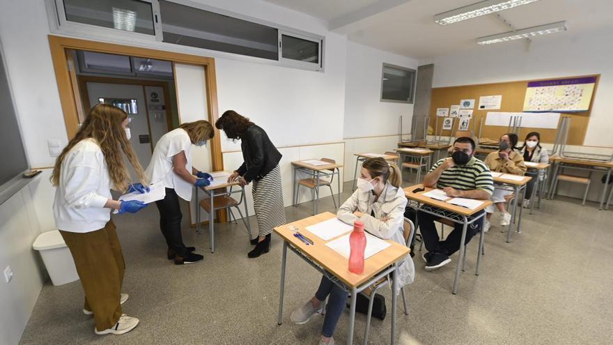 GALERÍA | Nervios y resignación en las oposiciones docentes del covid