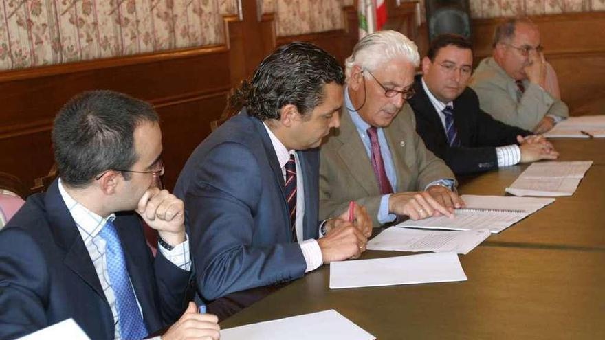 Seis ingenieros validaron la opción de Dique Torres, dice la defensa de Díaz Rato