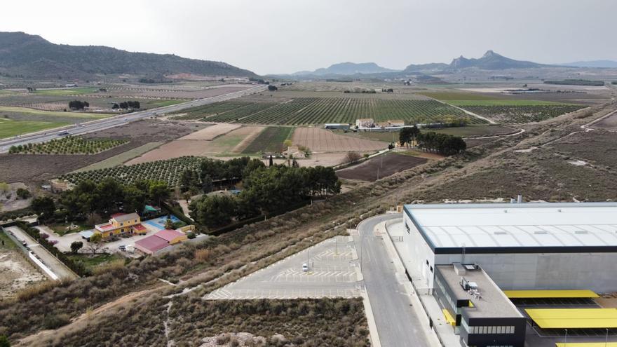El sector de la construcción apuesta por Villena como puerto seco del Corredor Mediterráneo