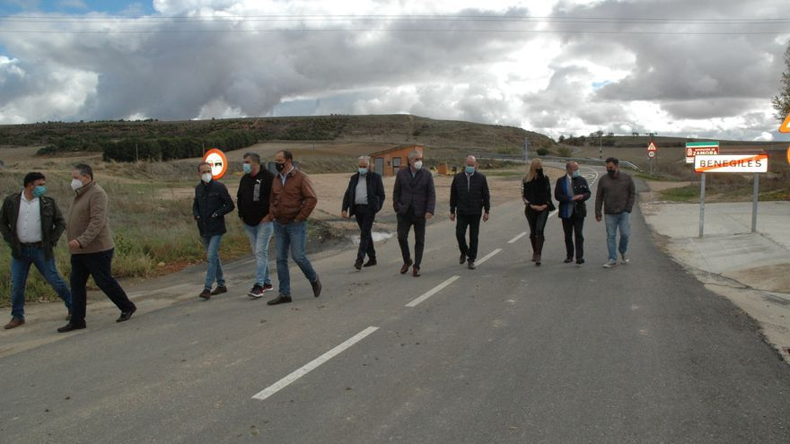 Reparada la carretera de Benegiles a Gallegos del Pan