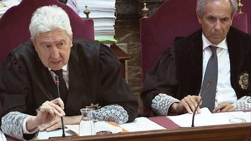 Las acusaciones se oponen a la suspensión del juicio y a la libertad de los electos