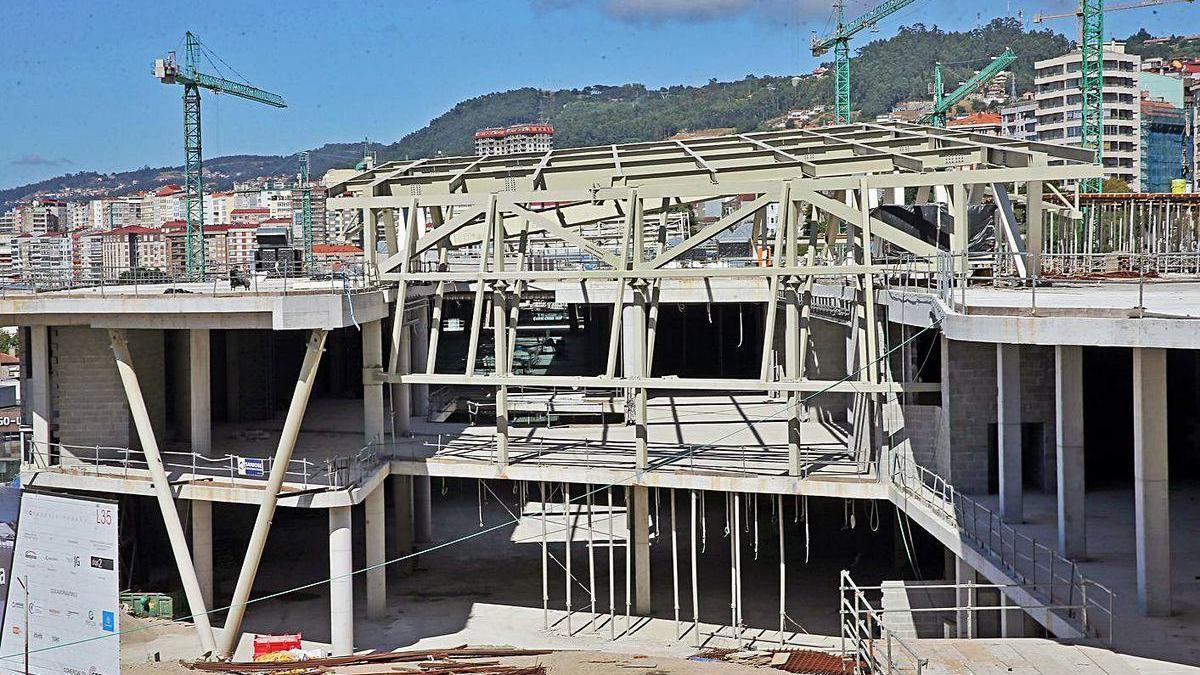 Estado actual de las obras del futuro complejo Vialia, que acogerá la estación de autobuses.