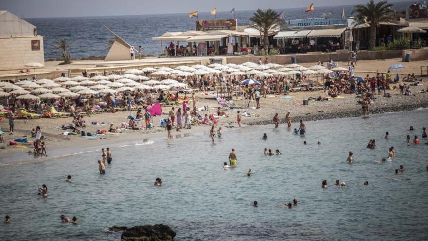 La sobreexplotación turística fuerza a «repensar» el modelo de Tabarca