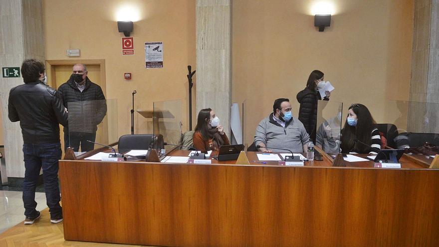 Vilagarcía saca adelante su reglamento de voluntariado con el rechazo de la izquierda