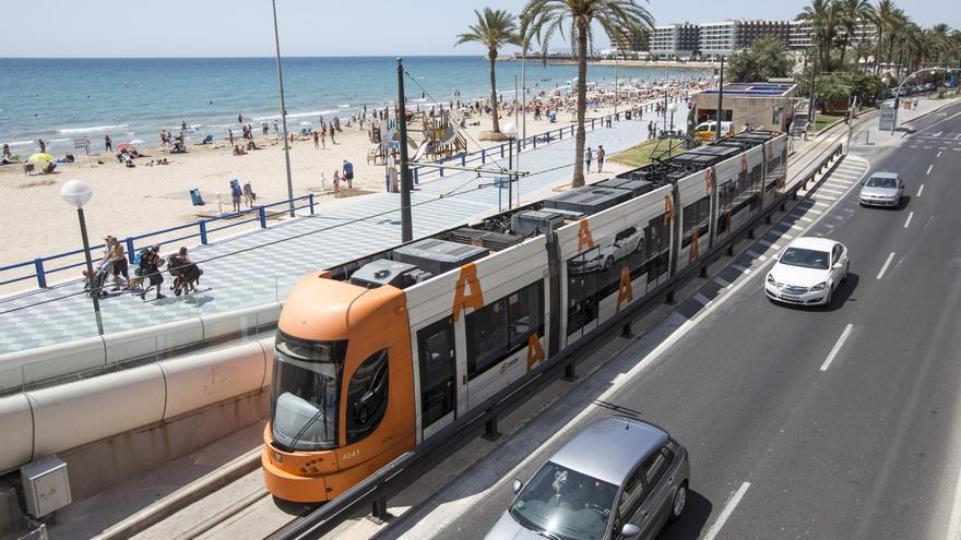 FGV suspende 5 horas el domingo la línea 5 del tranvía entre Playa San Juan y Postiguet por un triatlón