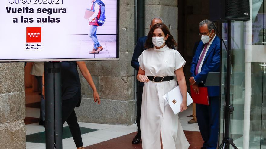Ayuso convoca a Castilla y León y Castilla-La Mancha a una reunión el lunes para abordar la pandemia