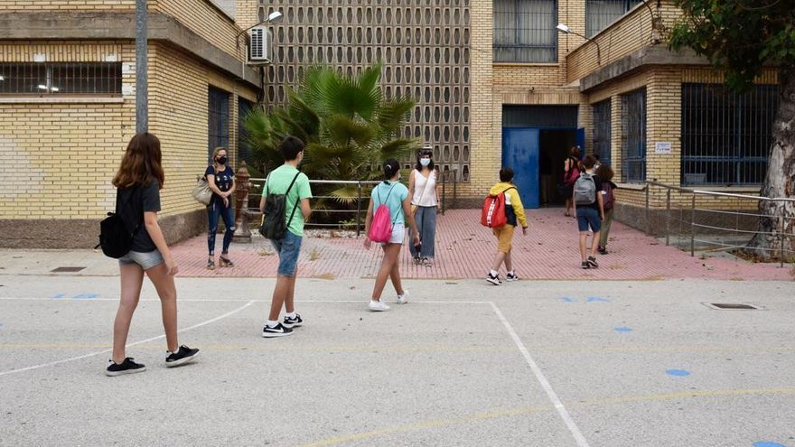 Educación baja a un metro la distancia mínima entre alumnos para la vuelta a la presencialidad total