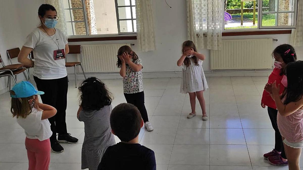 La infancia de Dozón improvisa en igualdad | CEDIDA