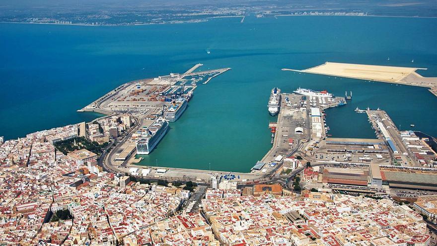Puig recibe a Toledo para buscar fórmulas de colaboración portuaria
