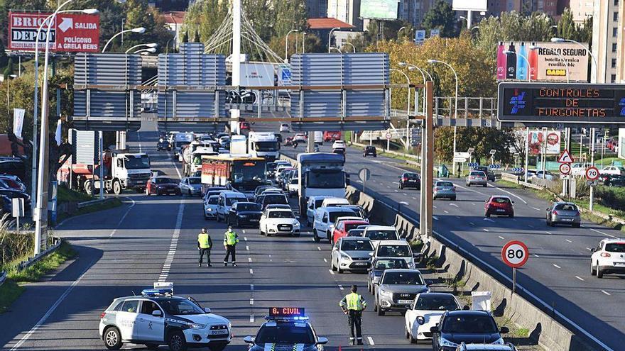 Más tráfico en las salidas de la ciudad respecto al primer fin de semana del cierre perimetral