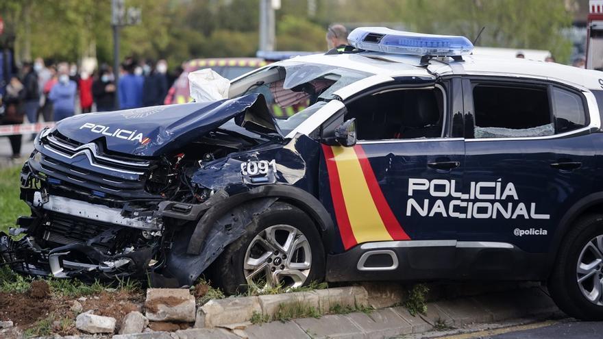 Grave colisión entre un turismo y un coche de Policía Nacional en Gaspar Aguilar