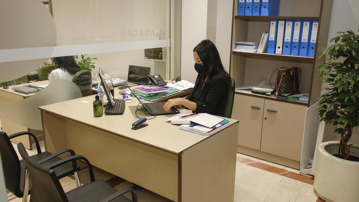 Una zona de las oficinas de Anagan en Pola de Siero.