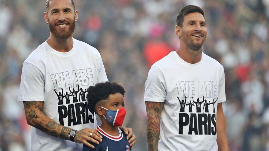 Ramos y Messi, presentados en el Parque de los Príncipes