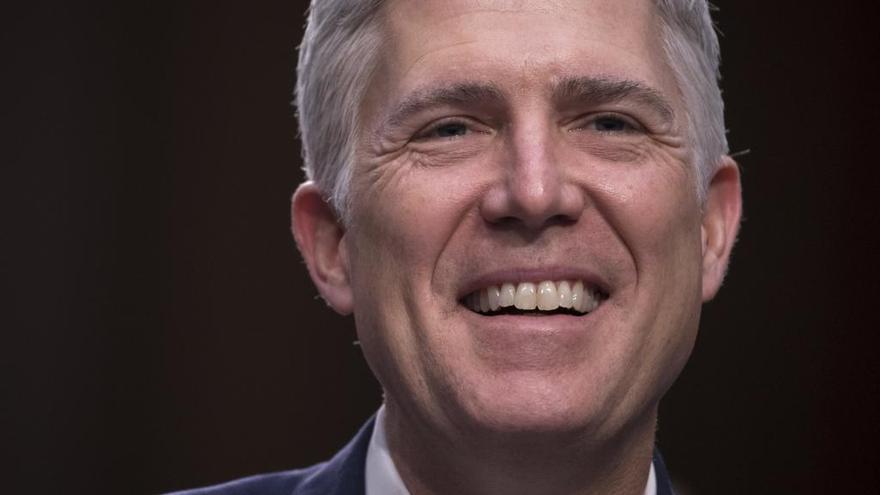 El Senado cambia las reglas para ratificar al candidato de Trump al Supremo