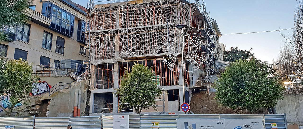Bloque de viviendas en obras en Vigo el pasado mes de diciembre