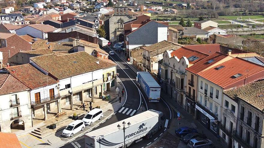 """Mañueco, sobre la N-122 en Zamora: """"Vuestras quejas son mis quejas"""""""