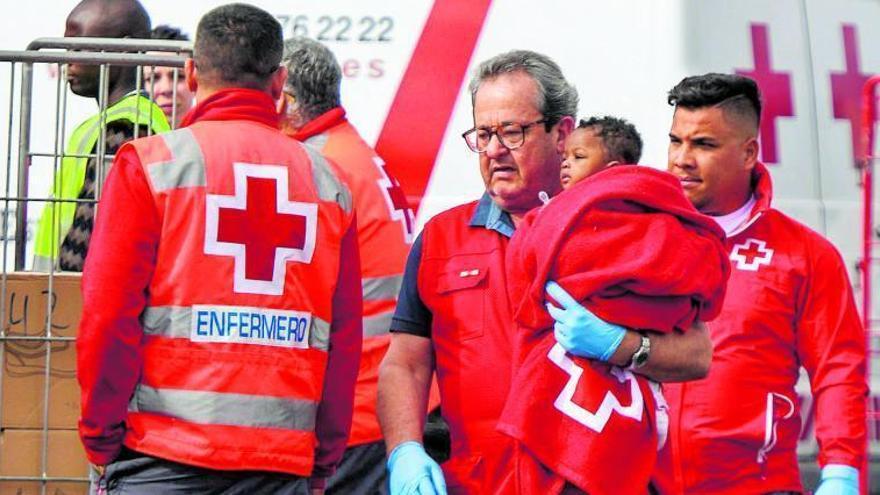 Cruz Roja recibe la Medalla de Oro de Canarias