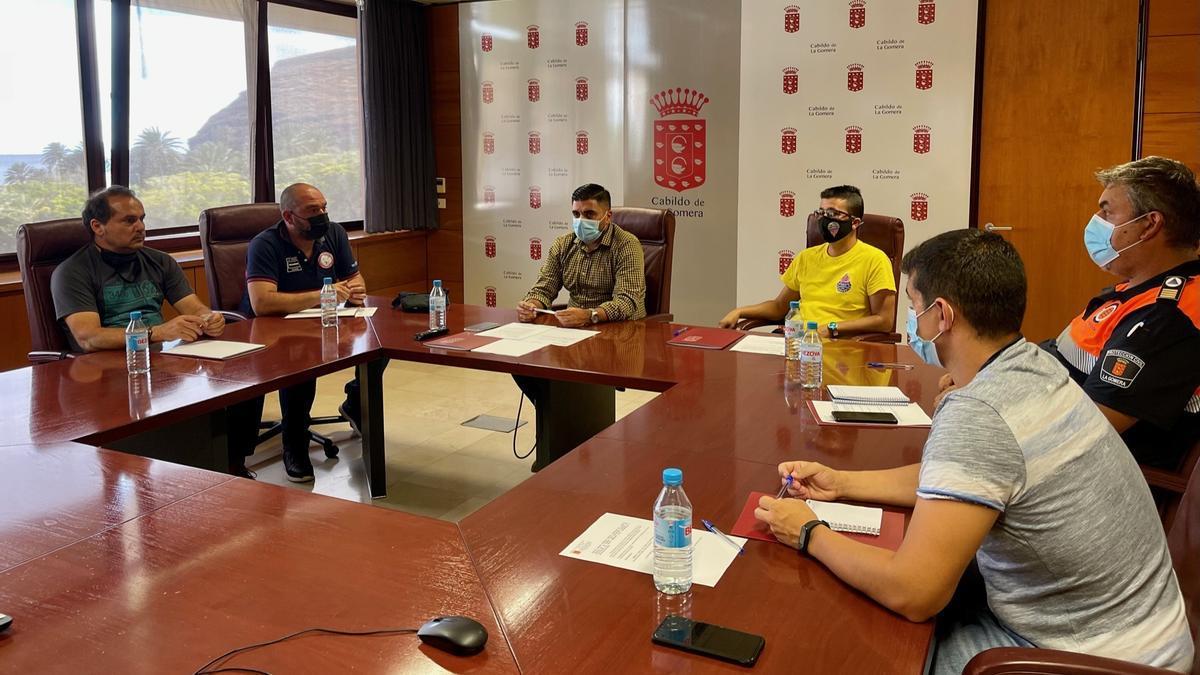 Creación del Comité de Voluntarios para Emergencias.