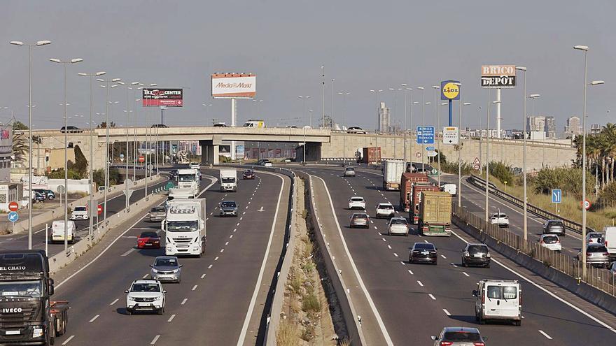 El Gobierno acelera el pago en autovías y dejará a las comunidades cobrar por sus carreteras