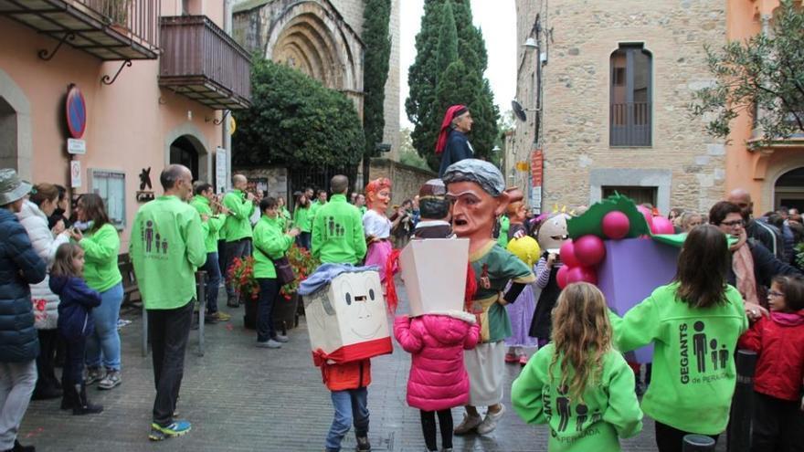 Peralada obté una gran resposta popular als actes de Sant Martí
