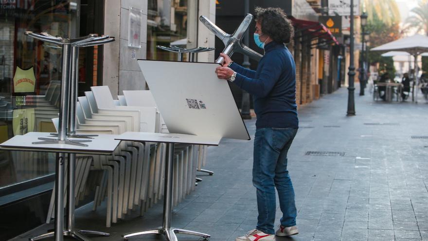 Urbanismo tramitará con urgencia las solicitudes para que locales de hostelería puedan servir comida para llevar