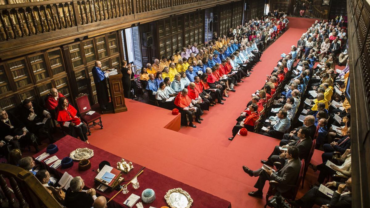 Un acto académico en la Universidad de Oviedo