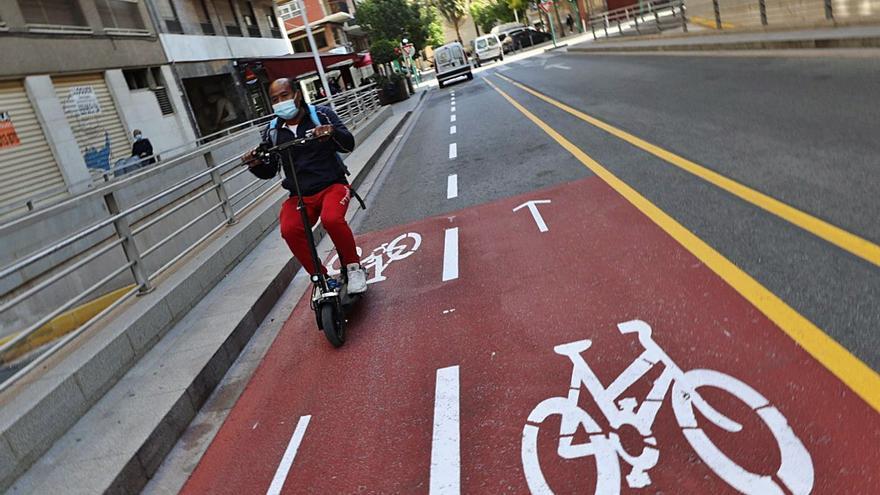 El carril bici será más fiable a costa de aparcamientos y calzada para coches