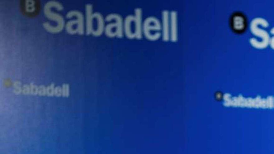 El Sabadell gana un 52% menos por su filial británica y la limpieza del balance