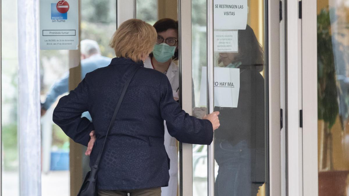 Los usuarios necesitarán tres permisos sanitarios para dejar las residencias contagiadas