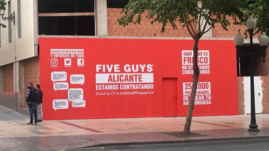 'Five Guys' aterriza en Alicante: así son las hamburguesas favoritas de Obama