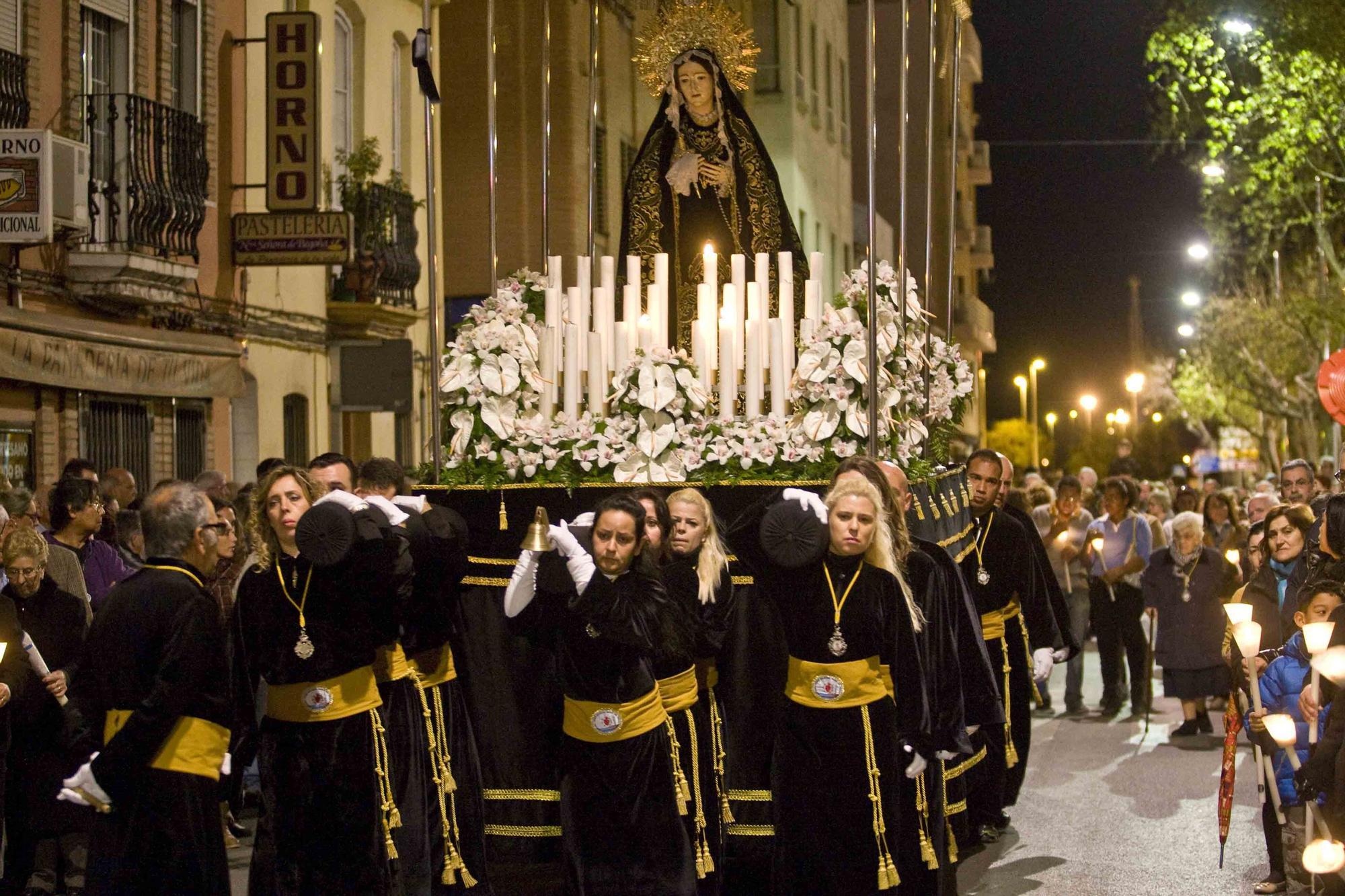 Las imágenes de las últimas procesiones de Viernes Santo en el Port de Sagunt.