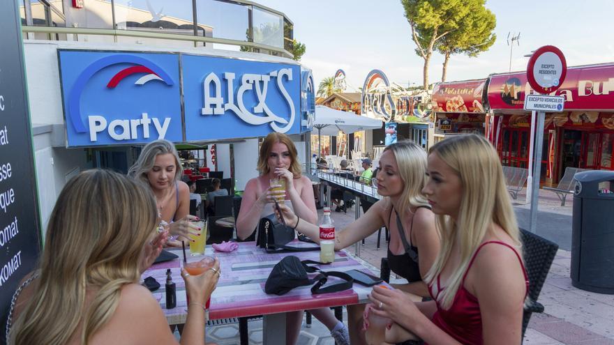 Briten stufen Mallorca auf der Corona-Ampel wieder auf Gelb zurück