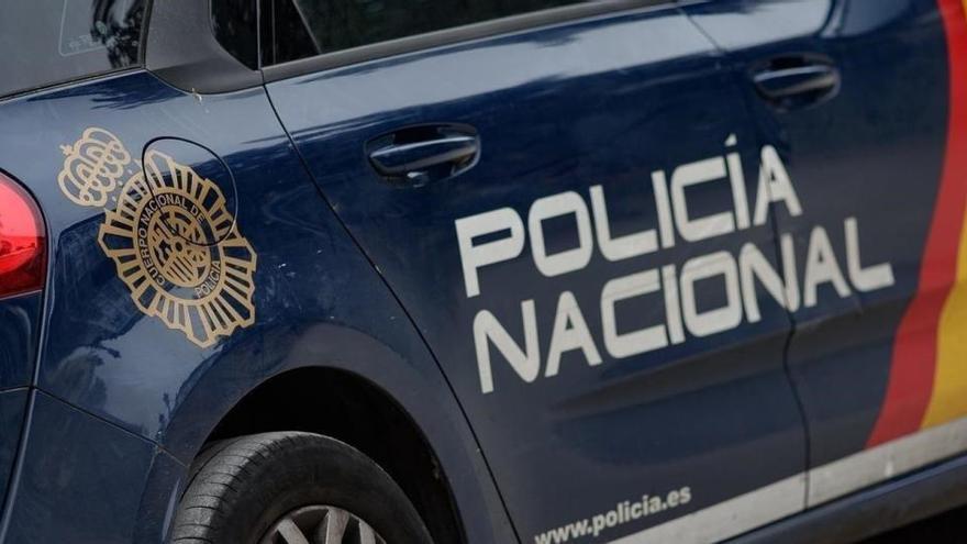Un hombre confiesa haber quemado un coche policial en Barcelona y pretender repetirlo