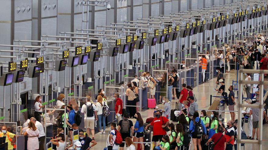 Los malagueños optan por destinos nacionales para sus vacaciones