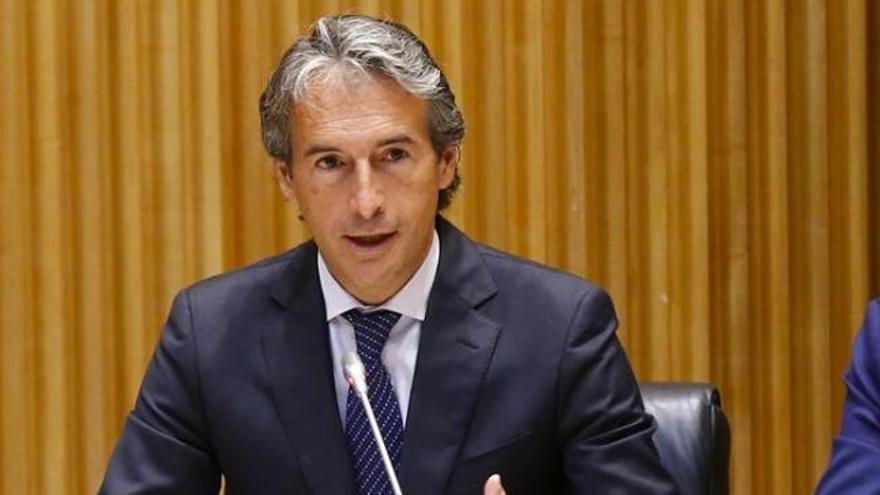 El Gobierno defiende su intervención en El Prat