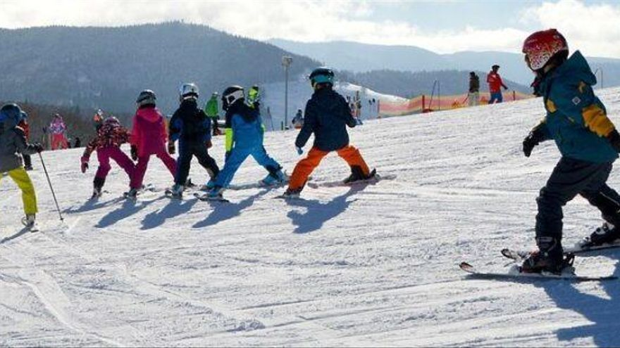 ¿Cómo ir a esquiar bien protegido de la Covid-19 y de las lesiones?