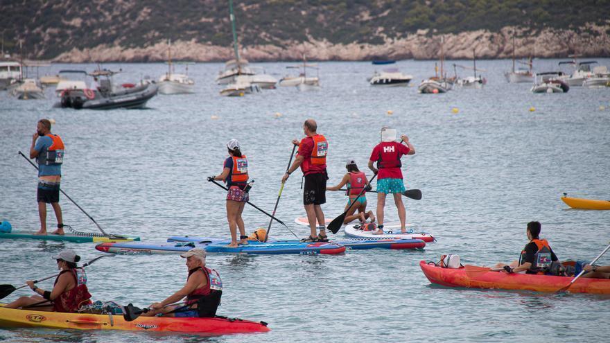 Volta a Sa Dragonera en piragua y paddle surf