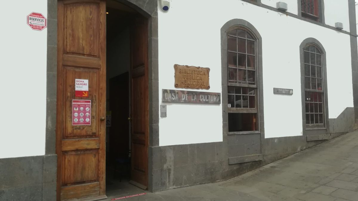 Facade of the House of Culture of Firgas, where the donation point will be enabled.
